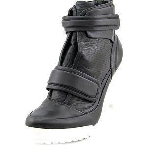 BCBG leather platform booties.—NBW